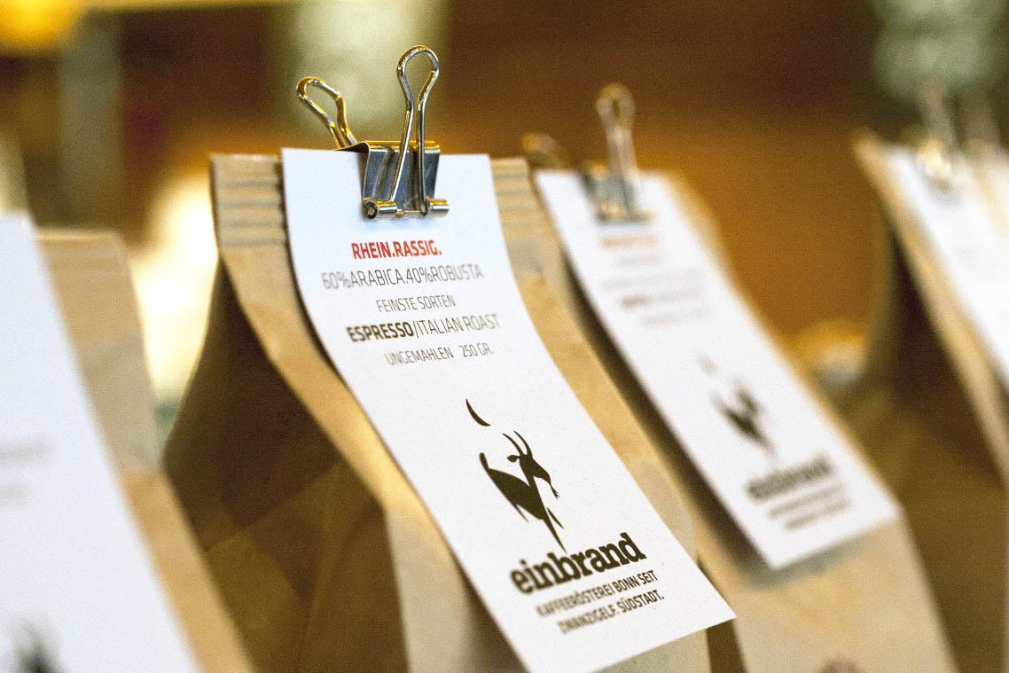 Markenentwicklung Kaffeerösterei: Verpackungen für Einbrand